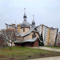 Знайомимось з історичними спорудами Івано-Франківська: дерев'яна церква Св. Дмитрія
