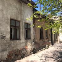 Будинки-примари: в середмісті Івано-Франківська руйнуються дві столітні кам'яниці. ФОТО