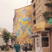 У Франківську відновлять пошкоджений вітром мурал «Україна Єдина»