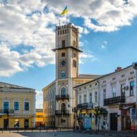 Влада Коломиї планує продати з-під молотка 23 комунальні приміщення