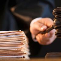 Суд відмовився розглядати позови прокуратури про скасування скандальних рішень міськради по забудові на Макогона