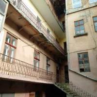Франківська влада продає приміщення у центрі міста