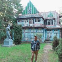 В Косові на очах руйнується одна зі старих будівель санаторію. ФОТО