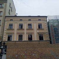 Пам'ятка архітектури на площі Ринок, 5 отримала нове обличчя. ФОТО