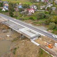 Міст через в Боднарові добудують в грудні. ФОТО