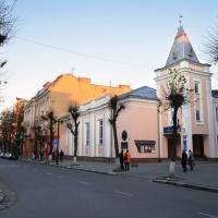 Знайомимось з історичними будівлями Івано-Франківська. Просвіта