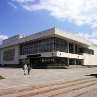 Знайомимося з історичними будівлями Івано-Франківська. Обласний музично-драматичний театр