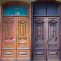 У Франківську відреставрували ще двоє дверей. ФОТО