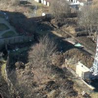 Почали копати траншеї: у Франківську мешканці будинку на Хоткевича скаржаться на забудовника. ФОТО