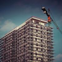 Основні причини затримки здачі будинку