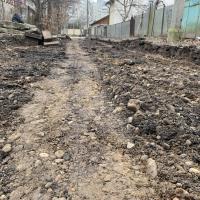 В УКБ продовжили капремонт двору на вулиці Хмельницького