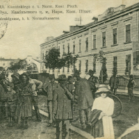 Знайомимось з історичними будівлями Івано-Франківська: казарми Швайковського