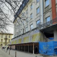 З хворої на здорову: у Франківську знову скандал навколо готелю «Дністер»