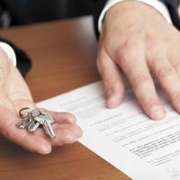 Краще без нотаріуса: експерти пояснили, як правильно скласти договір на оренду житла