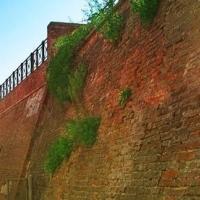 Знайомимось з історичними будівлями Івано-Франківська. Фортечні стіни і вали