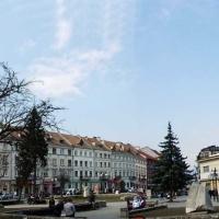 Знайомимось з історичними спорудами Івано-Франківська. Площа Ринок